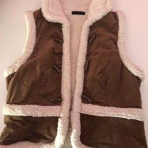 Warm and comfy vest! Great for the fall